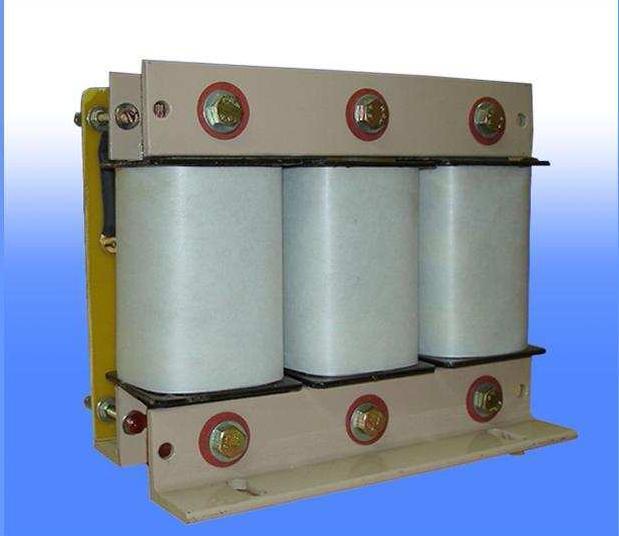 שנאי מבדל תלת פאזי בהספק 14000VA