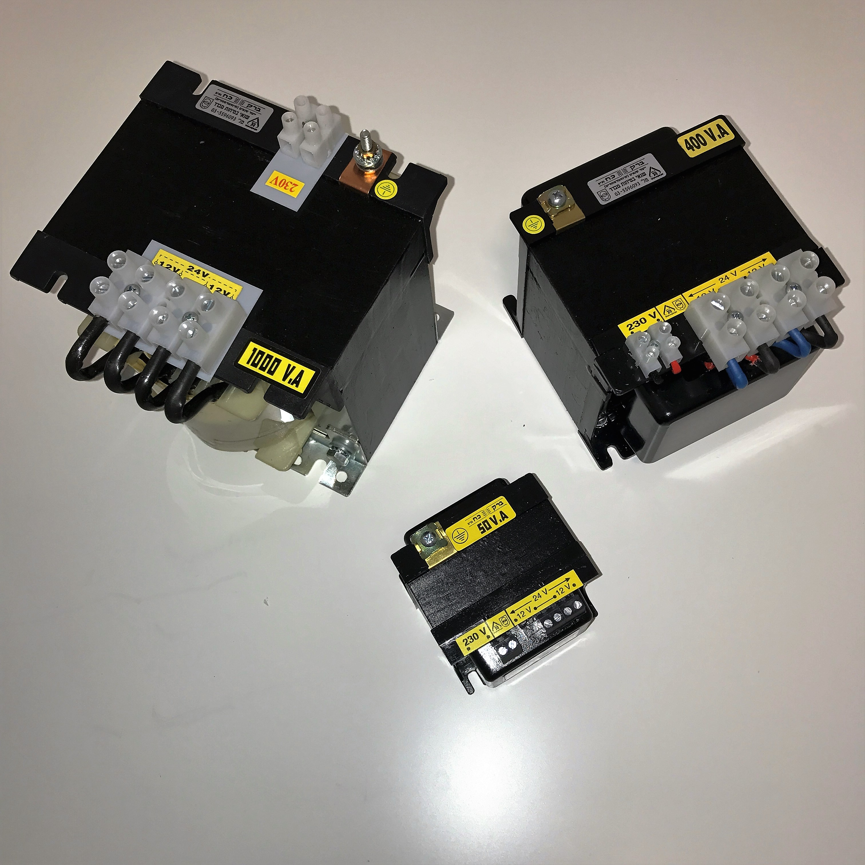 שנאי מבדל בהספק 1250VA במתחים 230V-12V