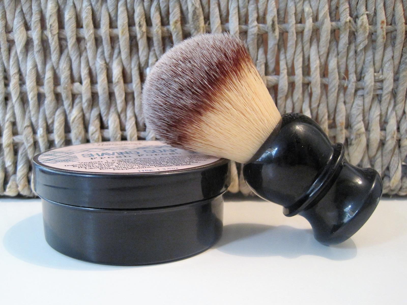 (ק) מברשת גילוח לגבר