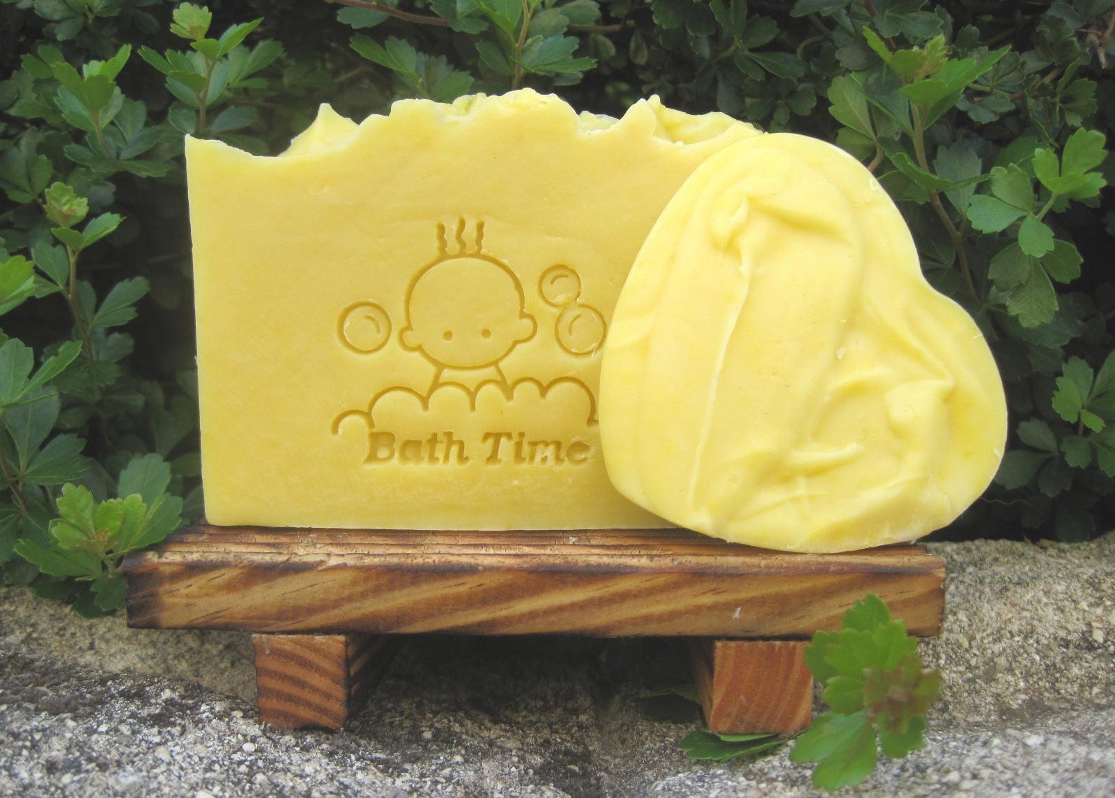 (ה) סבון מוצק אורגני לתינוקות ולבעלי עור רגיש, הילה סבונים - 110 גרם